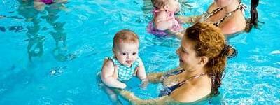 Bebés con padres (6 a 24 meses)